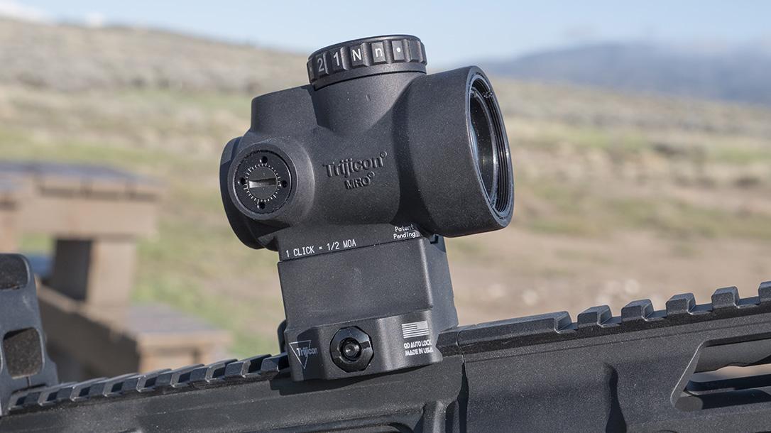 Trijicon MRO Green Dot, Mini Rifle Optic, green dot sight, right