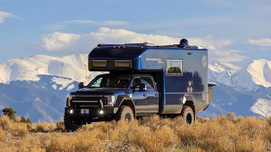 EarthRoamer XV-LTS RV mountains