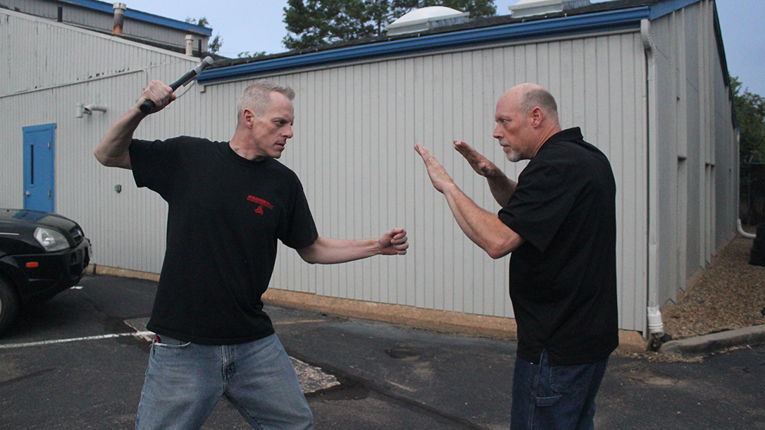 Shoulder Stop, self-defense, hammer, step 1