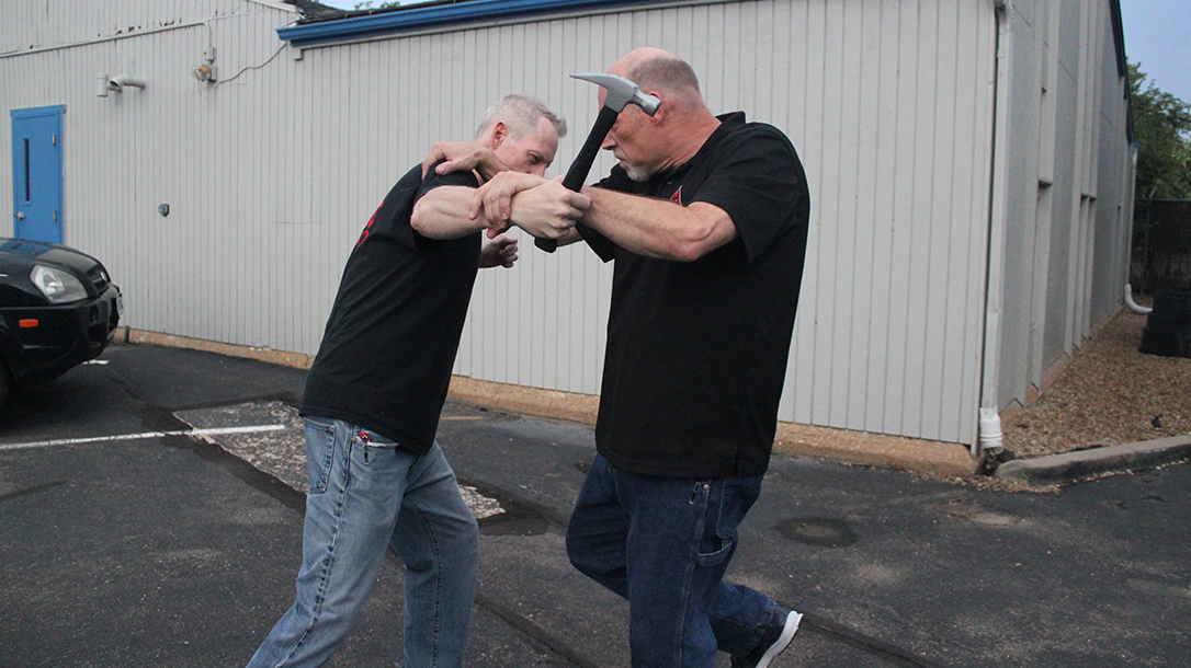 Shoulder Stop, self-defense, hammer, step 4
