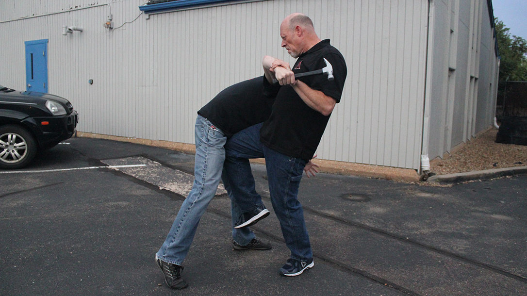 Shoulder Stop, self-defense, hammer, step 6