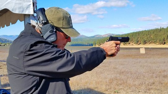 Wilson Combat Vickers Elite Commander 1911 pistol review, range test