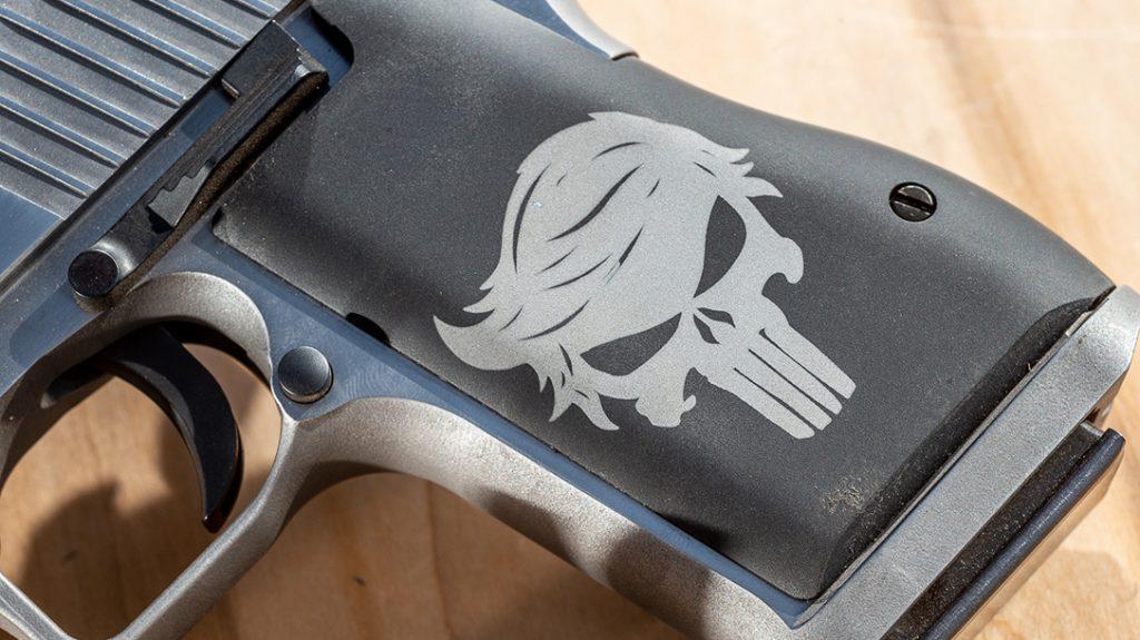 Punisher Trump Desert Eagle 50 AE, skull grip