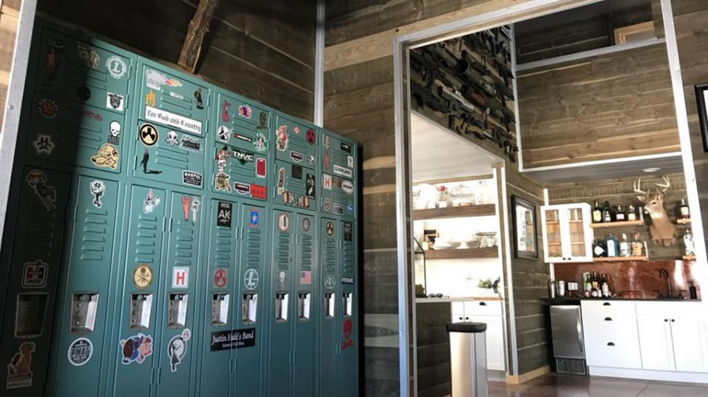 Lockers are available for your personal effects during your stay at the High Bar Homestead.